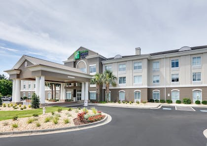 Featured Image | Holiday Inn Express & Suites I-16
