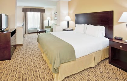 Guestroom | Holiday Inn Express Boonville