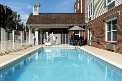 Outdoor Pool | TownePlace Suites by Marriott Chicago Lombard
