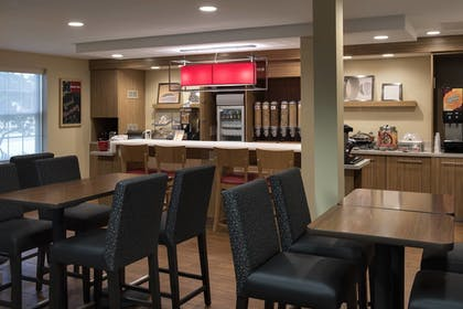 Breakfast Area | TownePlace Suites by Marriott Chicago Lombard