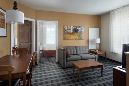 Guestroom | TownePlace Suites by Marriott Chicago Lombard