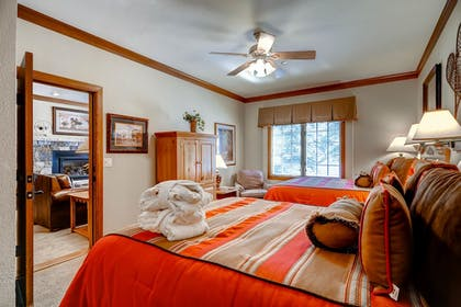 Guestroom | The Charter at Beaver Creek