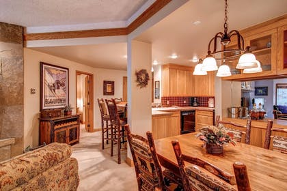 In-Room Dining | The Charter at Beaver Creek