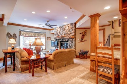 Living Area | The Charter at Beaver Creek