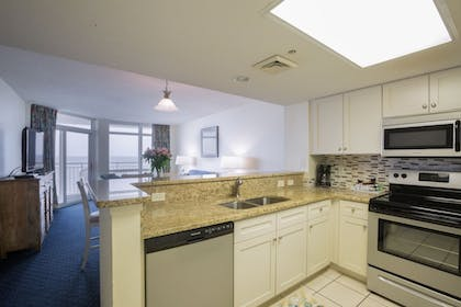 In-Room Kitchen | Bay Watch Resort & Conference Center by Oceana Resorts