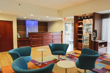 Lobby Sitting Area | Fairfield Inn & Suites Lexington Berea