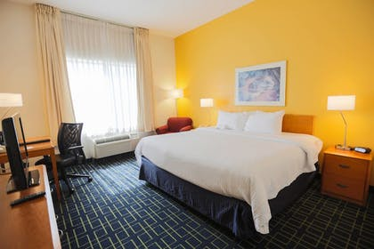 Guestroom | Fairfield Inn & Suites Lexington Berea