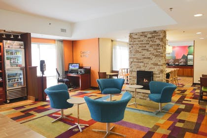 Lobby | Fairfield Inn & Suites Lexington Berea
