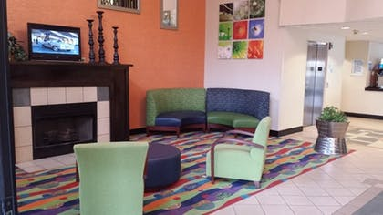 Lobby | Holiday Inn Express Hotel & Suites Morehead Cty