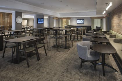 Restaurant | SpringHill Suites by Marriott New Orleans DT/Convention Ctr