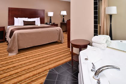 Guestroom | Best Western Old Mill Inn