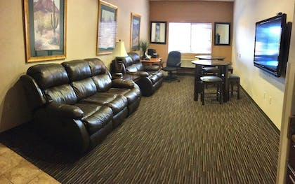 Executive Lounge | Baymont by Wyndham Tucson Airport