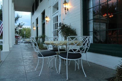 Terrace/Patio | Boulder Dam Hotel