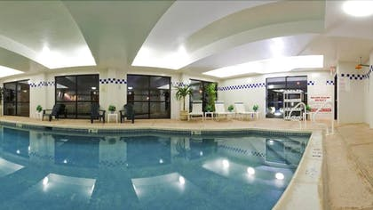 Indoor Pool   Holiday Inn Express Hotel & Suites Meadowlands Area