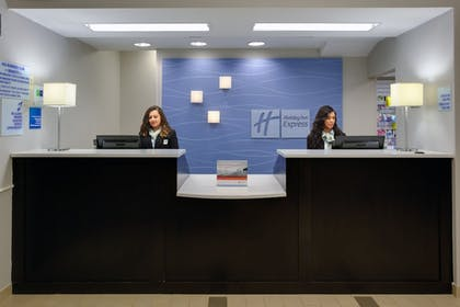 Featured Image   Holiday Inn Express Hotel & Suites Meadowlands Area