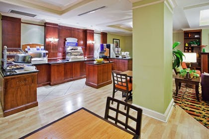 Restaurant | Holiday Inn Express Hotel & Suites Greenville