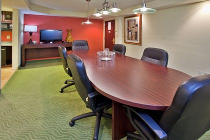 Guestroom | Holiday Inn Express Hotel & Suites Greenville