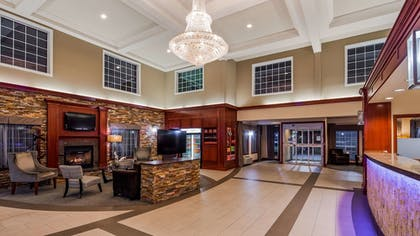 Lobby | Best Western Plus Vancouver Mall Dr. Hotel & Suites