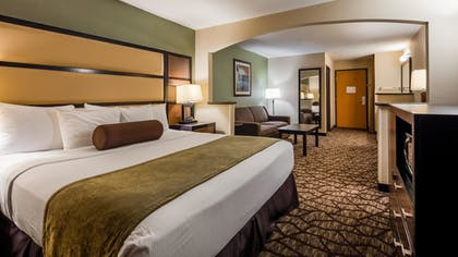 Guestroom | Best Western Plus Vancouver Mall Dr. Hotel & Suites