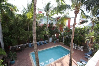 Outdoor Pool | The Lighthouse Resort Inn & Suites