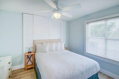 Guestroom | The Lighthouse Resort Inn & Suites