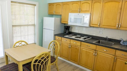 Private Kitchen | The Lighthouse Resort Inn & Suites