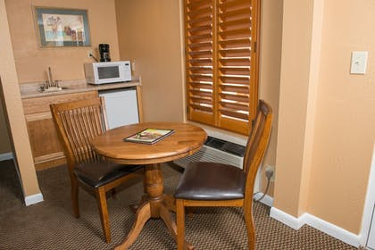 In-Room Dining | Gatlinburg Town Square by Exploria Resorts