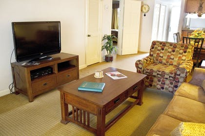 Living Room | Gatlinburg Town Square by Exploria Resorts