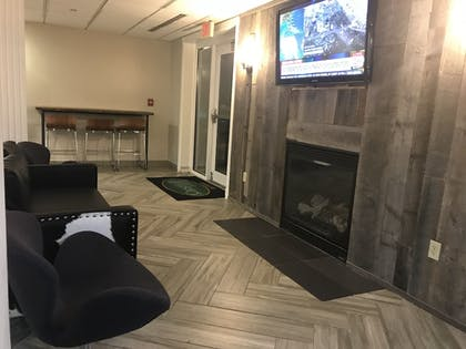 Lobby Lounge | CrestHill Suites SUNY University Albany