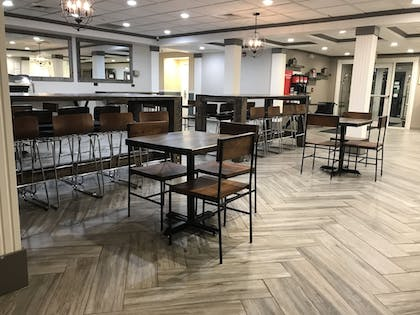 Breakfast Area | CrestHill Suites SUNY University Albany
