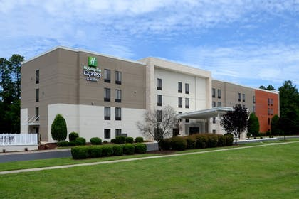 Exterior | Holiday Inn Express Hotel and Suites Research Triangle Park