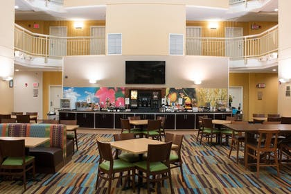 Restaurant | Fairfield Inn & Suites by Marriott Oakland Hayward