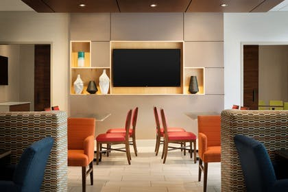 Restaurant | Holiday Inn Express & Suites Locust Grove