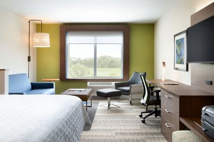 | Holiday Inn Express & Suites Locust Grove