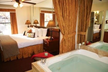 Jetted Tub | Westgate Flamingo Bay Resort