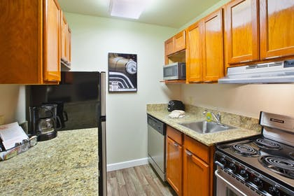 In-Room Kitchen | TownePlace Suites Detroit Sterling Heights