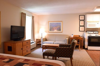 Guestroom | Cresthill Suites Syracuse