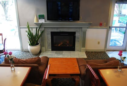 Lobby | Cresthill Suites Syracuse