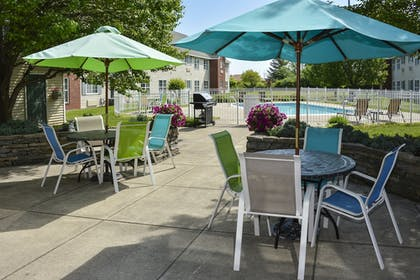 Pool | Cresthill Suites Syracuse