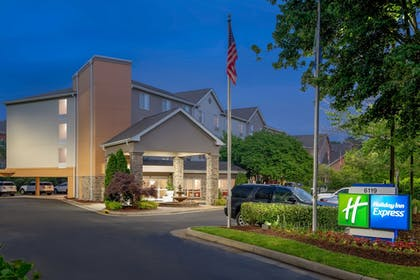 Featured Image | Holiday Inn Express Chapel Hill
