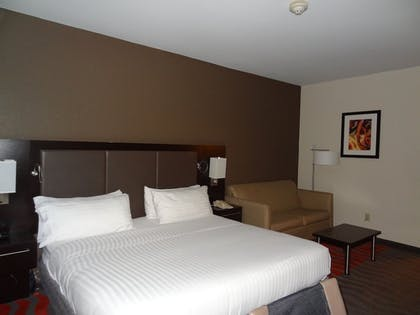 Guestroom | Holiday Inn Express Hotel & Suites Columbus-Groveport