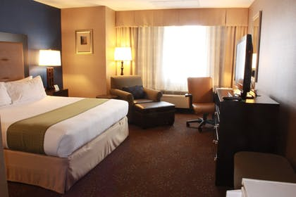Guestroom | Holiday Inn Seattle Downtown