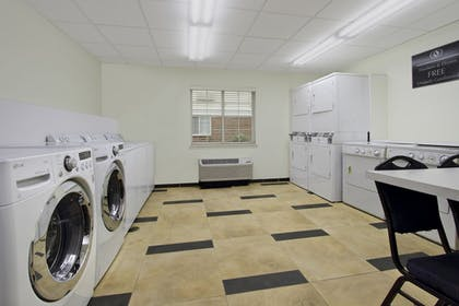 Laundry Room | Candlewood Suites Rogers / Bentonville