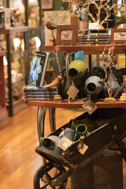 Gift Shop | Williamsburg Lodge, Autograph Collection