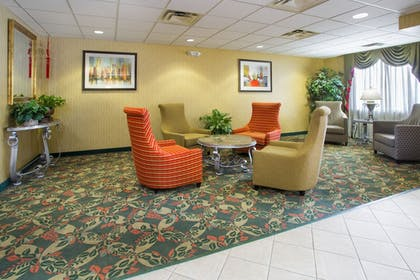 Lobby | Holiday Inn Express & Suites Gahanna/Columbus Airport E