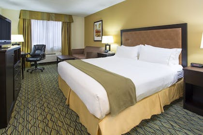 Guestroom | Holiday Inn Express & Suites Gahanna/Columbus Airport E