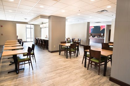 Restaurant | Fairfield Inn and Suites by Marriott Atlanta Airport North