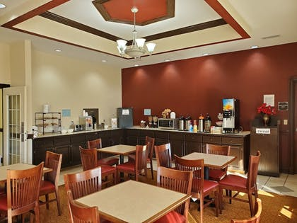 Breakfast Area | Red Roof Inn & Suites Manchester, TN