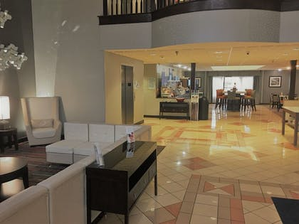 Lobby | Holiday Inn Express Hotel & Suites Laurinburg