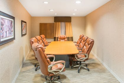 Meeting Facility | Holiday Inn Express Hotel & Suites Brattleboro